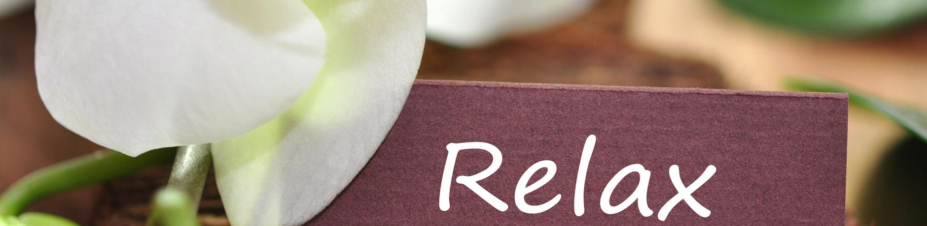 Relaxen und Entspannen Gesundheitsreise - Lotusblüte als Symbol für das Relaxen